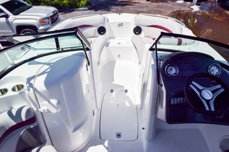 Thumbnail 47 for New 2019 Hurricane SunDeck SD 2000 OB boat for sale in West Palm Beach, FL