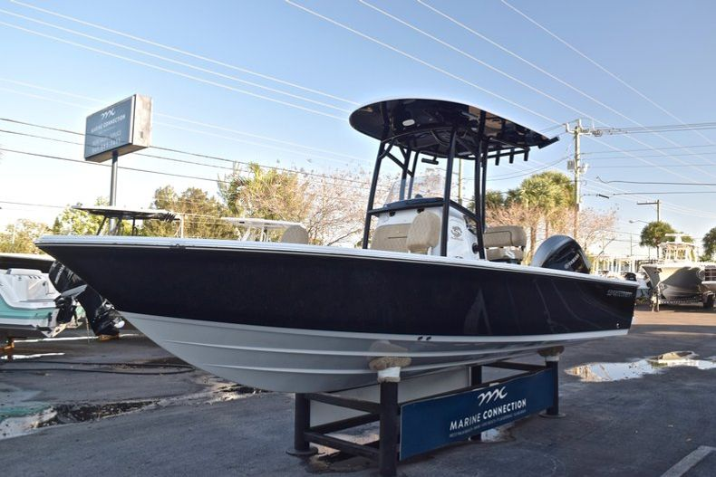 Thumbnail 3 for New 2019 Sportsman Masters 227 Bay Boat boat for sale in Miami, FL