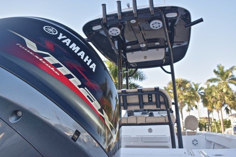 Thumbnail 10 for New 2019 Sportsman Masters 227 Bay Boat boat for sale in Miami, FL