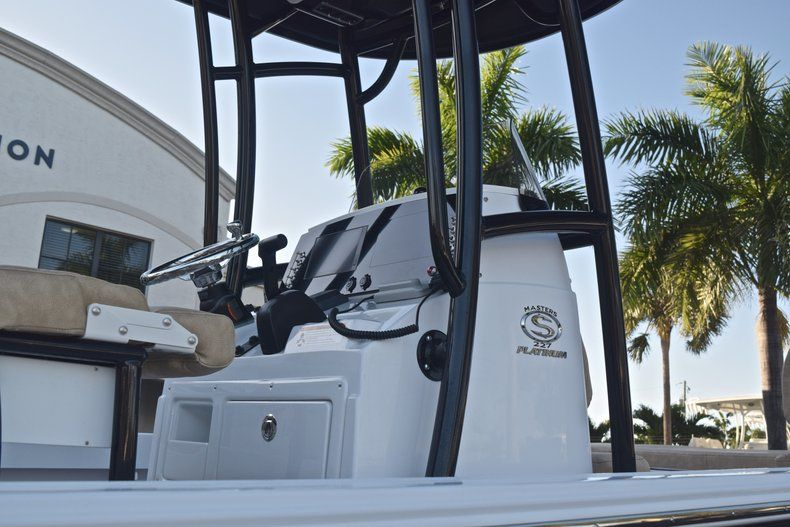 Thumbnail 9 for New 2019 Sportsman Masters 227 Bay Boat boat for sale in Miami, FL