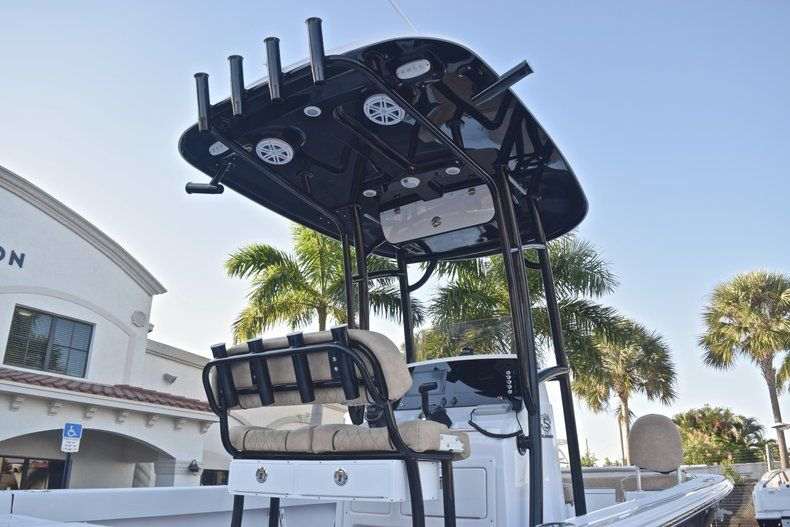 Thumbnail 8 for New 2019 Sportsman Masters 227 Bay Boat boat for sale in Miami, FL