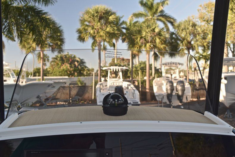 Thumbnail 26 for New 2019 Sportsman Masters 227 Bay Boat boat for sale in Miami, FL