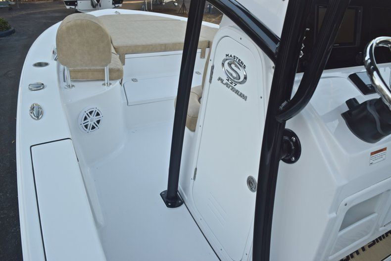 Thumbnail 42 for New 2019 Sportsman Masters 227 Bay Boat boat for sale in Miami, FL