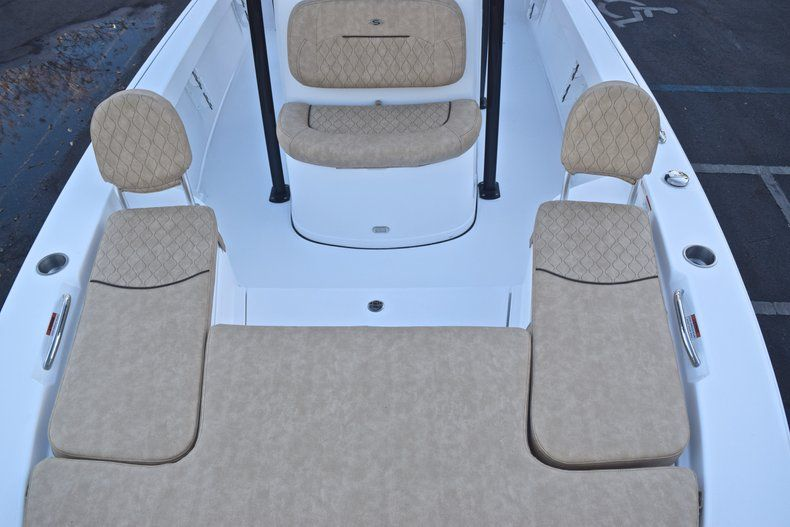 Thumbnail 55 for New 2019 Sportsman Masters 227 Bay Boat boat for sale in Miami, FL