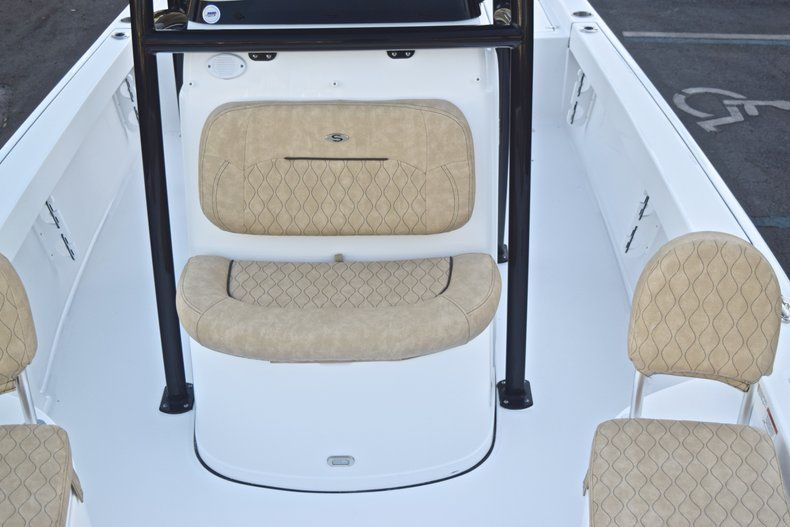Thumbnail 56 for New 2019 Sportsman Masters 227 Bay Boat boat for sale in Miami, FL