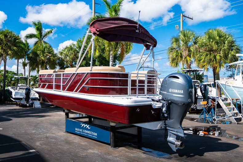 Image 5 for 2019 Hurricane FunDeck FD 236SB in West Palm Beach, FL