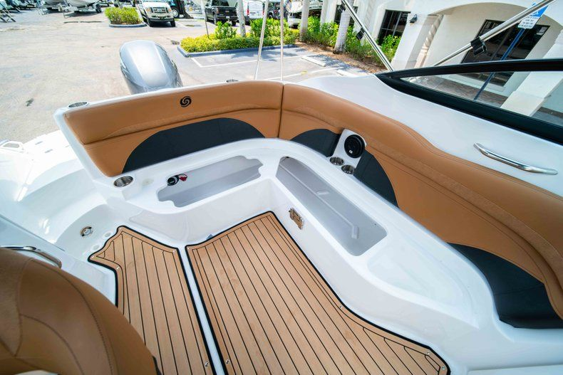 Thumbnail 15 for New 2019 Hurricane SunDeck SD 2200 OB boat for sale in West Palm Beach, FL