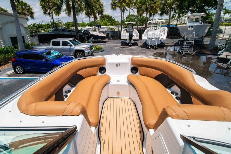 Thumbnail 26 for New 2019 Hurricane SunDeck SD 2200 OB boat for sale in West Palm Beach, FL