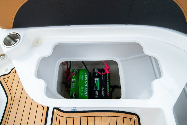Thumbnail 17 for New 2019 Hurricane SunDeck SD 2200 OB boat for sale in West Palm Beach, FL