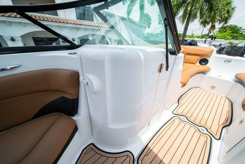 Thumbnail 22 for New 2019 Hurricane SunDeck SD 2200 OB boat for sale in West Palm Beach, FL