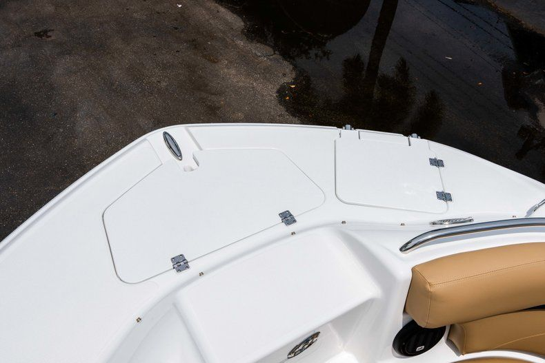 Thumbnail 31 for New 2019 Hurricane SunDeck SD 2200 OB boat for sale in West Palm Beach, FL