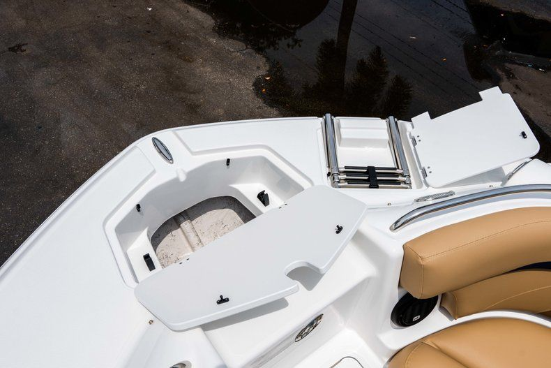 Thumbnail 32 for New 2019 Hurricane SunDeck SD 2200 OB boat for sale in West Palm Beach, FL