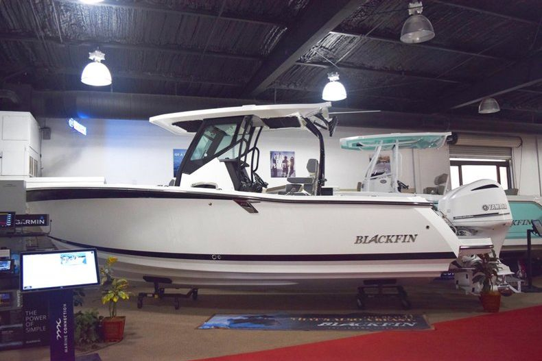 Thumbnail 1 for New 2019 Blackfin 272CC Center Console boat for sale in West Palm Beach, FL