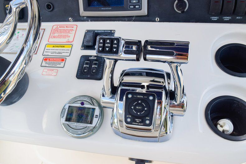 Thumbnail 37 for Used 2006 Boston Whaler 240 Outrage boat for sale in West Palm Beach, FL