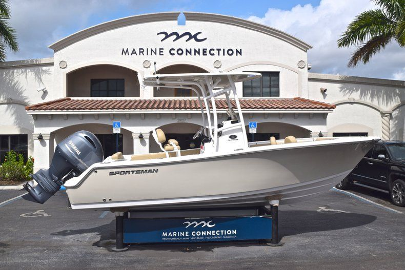 Image 0 for 2017 Sportsman Open 212 Center Console in West Palm Beach, FL