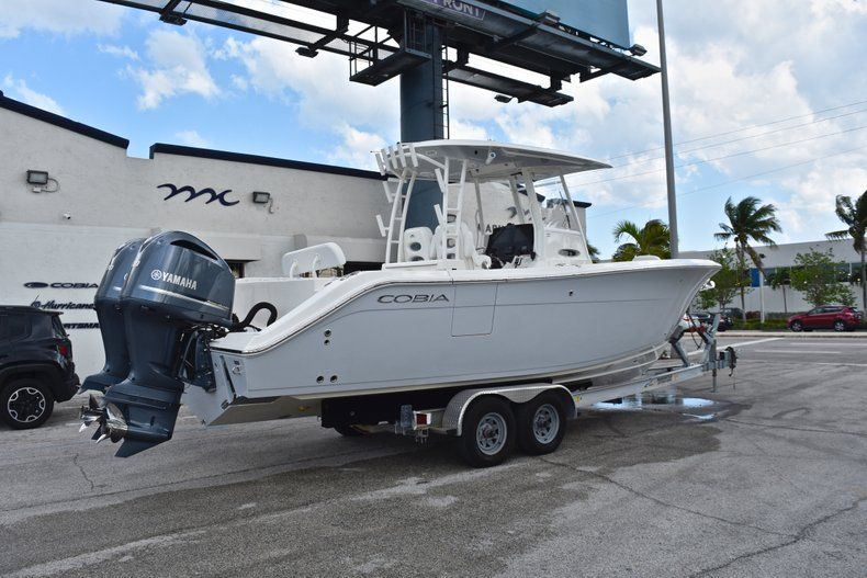 Thumbnail 7 for New 2019 Cobia 301 CC Center Console boat for sale in Vero Beach, FL