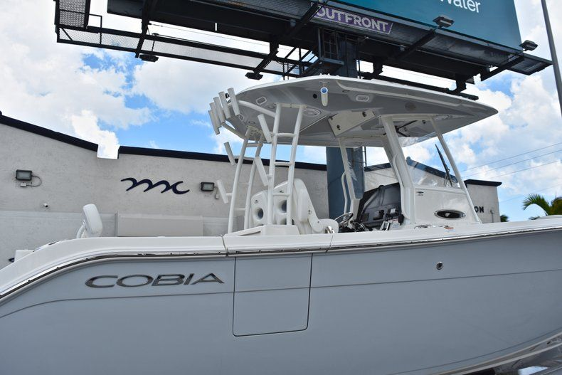 Thumbnail 9 for New 2019 Cobia 301 CC Center Console boat for sale in Vero Beach, FL