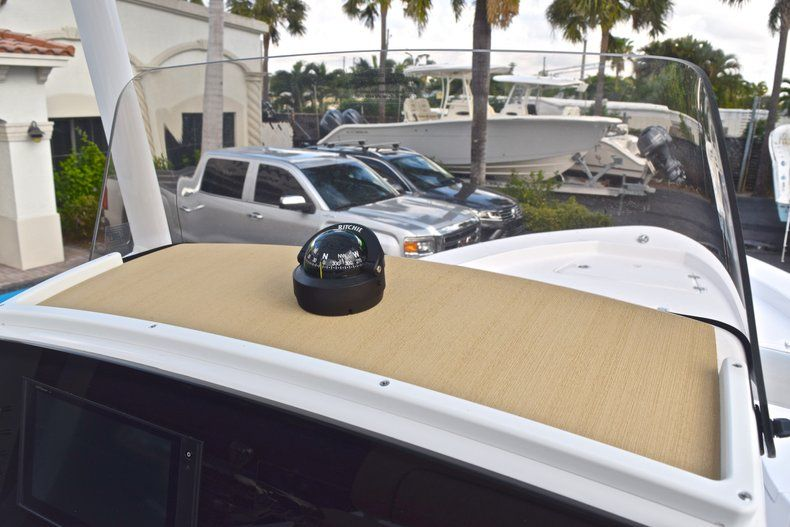 Thumbnail 24 for New 2019 Sportsman Masters 227 Bay Boat boat for sale in Vero Beach, FL