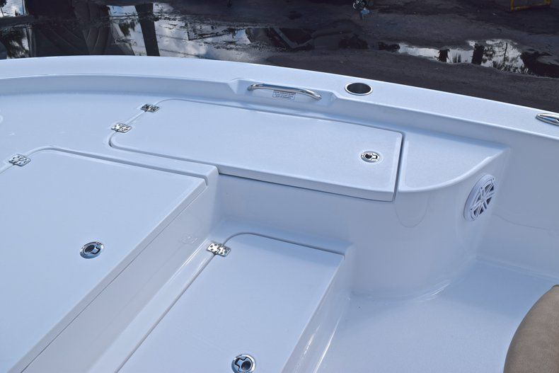 Thumbnail 47 for New 2019 Sportsman Masters 227 Bay Boat boat for sale in Vero Beach, FL