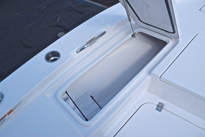 Thumbnail 46 for New 2019 Sportsman Masters 227 Bay Boat boat for sale in Vero Beach, FL