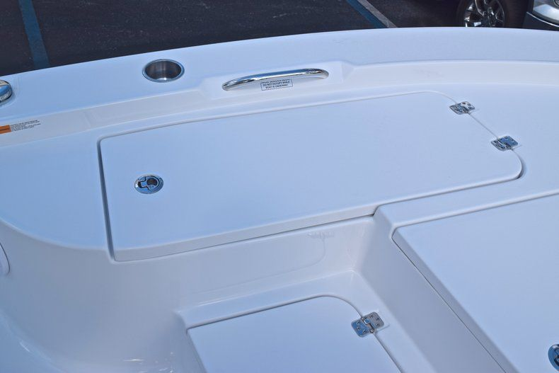 Thumbnail 45 for New 2019 Sportsman Masters 227 Bay Boat boat for sale in Vero Beach, FL