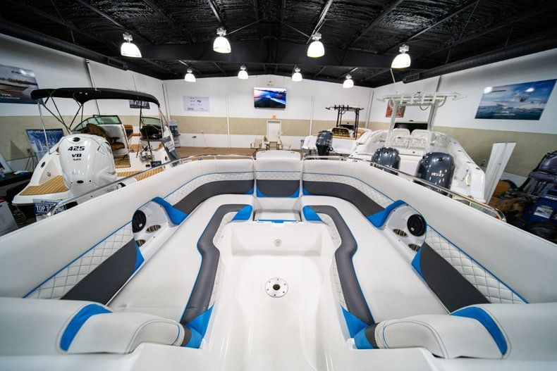 Thumbnail 28 for New 2019 Hurricane SunDeck SD 2486 OB boat for sale in West Palm Beach, FL