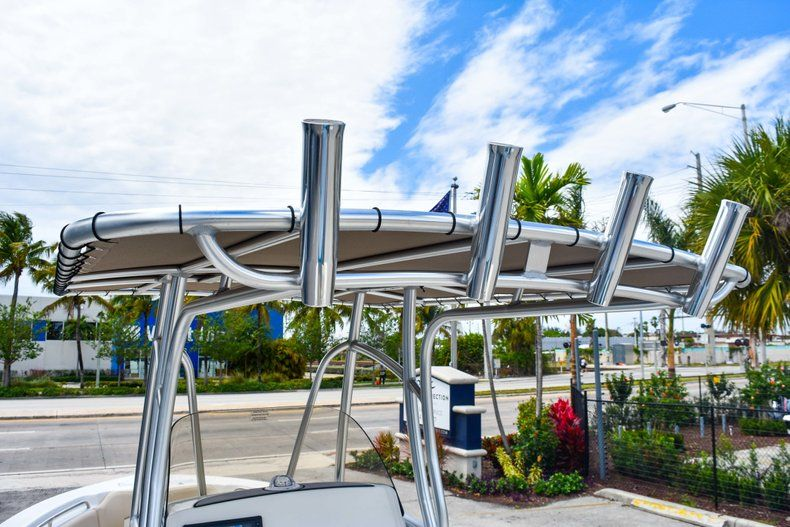 Thumbnail 24 for Used 2018 NauticStar 22XS boat for sale in Fort Lauderdale, FL