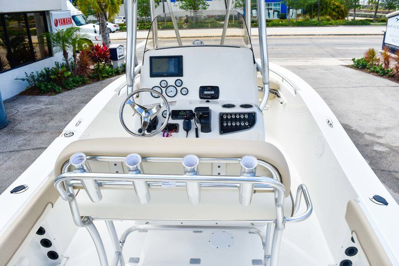 Thumbnail 20 for Used 2018 NauticStar 22XS boat for sale in Fort Lauderdale, FL