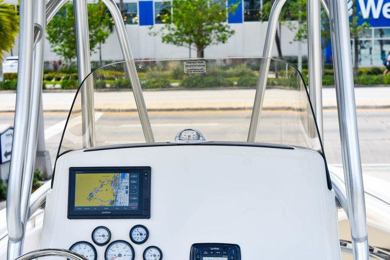 Thumbnail 22 for Used 2018 NauticStar 22XS boat for sale in Fort Lauderdale, FL