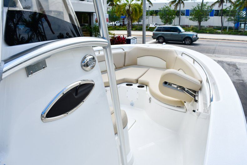 Thumbnail 35 for Used 2018 NauticStar 22XS boat for sale in Fort Lauderdale, FL