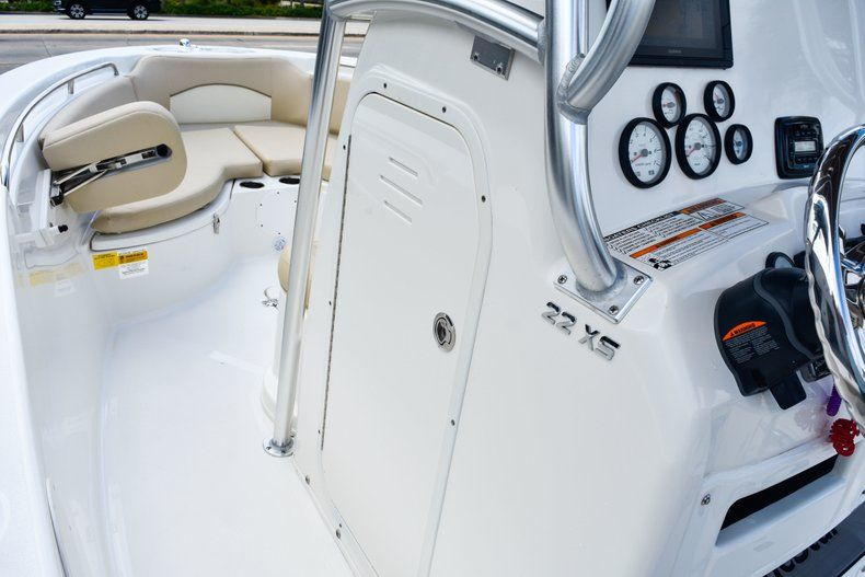 Thumbnail 36 for Used 2018 NauticStar 22XS boat for sale in Fort Lauderdale, FL