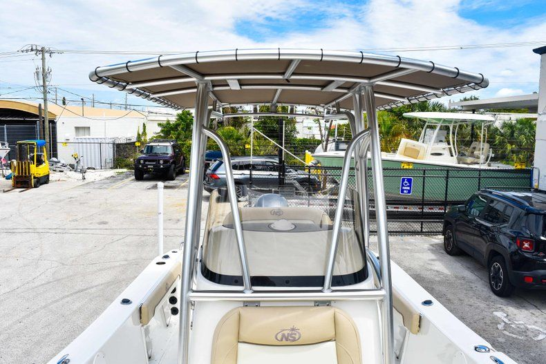Thumbnail 51 for Used 2018 NauticStar 22XS boat for sale in Fort Lauderdale, FL