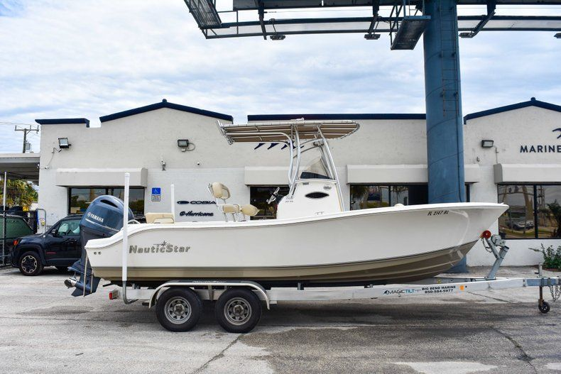 Used 2018 NauticStar 22XS boat for sale in Fort Lauderdale, FL