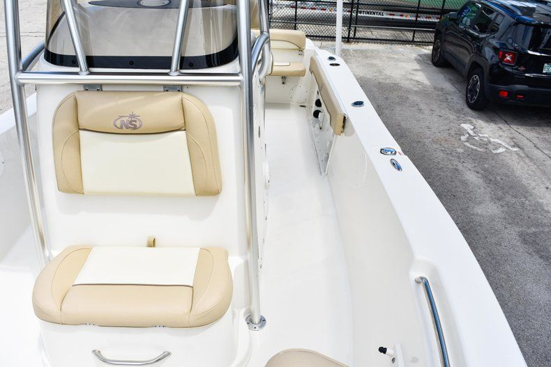 Thumbnail 56 for Used 2018 NauticStar 22XS boat for sale in Fort Lauderdale, FL