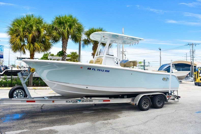 Thumbnail 5 for Used 2018 Sea Hunt 234 Ultra boat for sale in Fort Lauderdale, FL