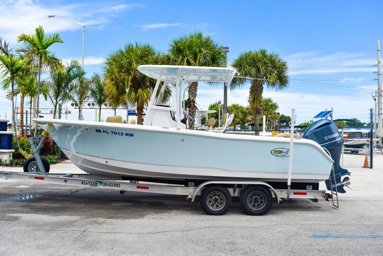 Thumbnail 4 for Used 2018 Sea Hunt 234 Ultra boat for sale in Fort Lauderdale, FL