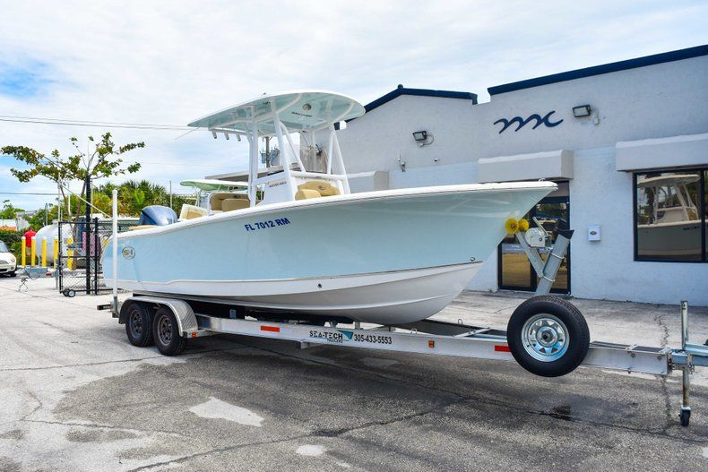 Thumbnail 1 for Used 2018 Sea Hunt 234 Ultra boat for sale in Fort Lauderdale, FL