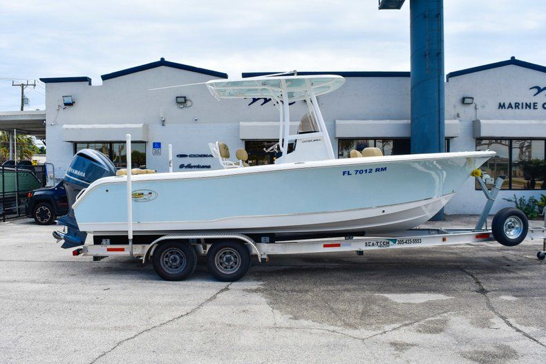 Used 2018 Sea Hunt 234 Ultra boat for sale in Fort Lauderdale, FL