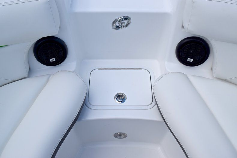 Thumbnail 45 for New 2019 Hurricane SunDeck SD 2200 OB boat for sale in West Palm Beach, FL