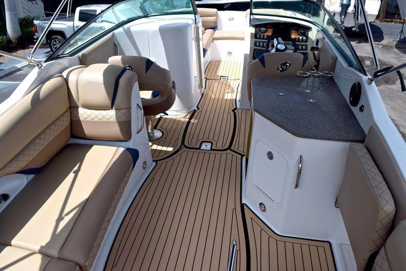 Thumbnail 13 for New 2019 Hurricane SunDeck SD 2690 OB boat for sale in Vero Beach, FL