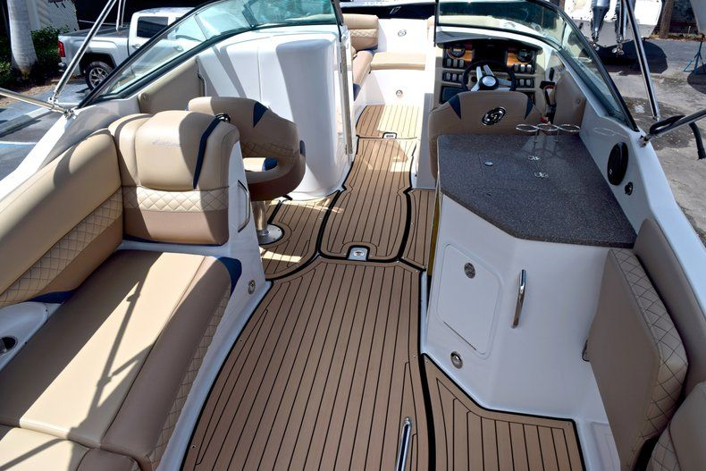 Image 13 for 2019 Hurricane SunDeck SD 2690 OB in West Palm Beach, FL