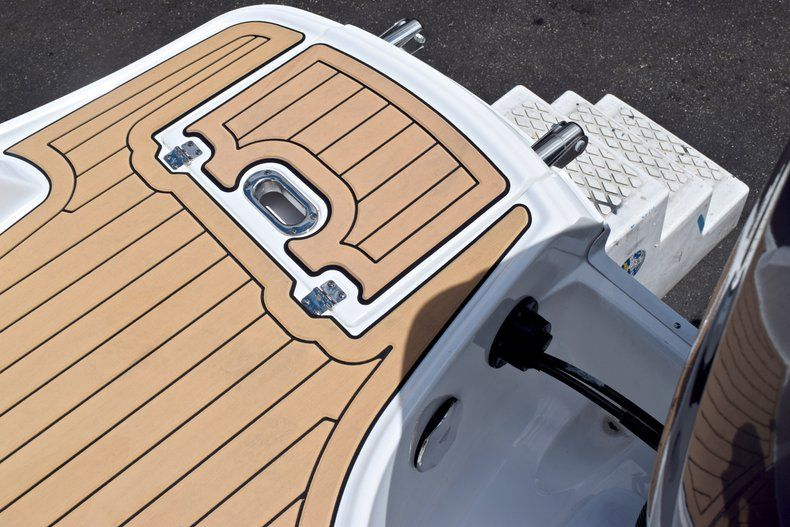 Image 11 for 2019 Hurricane SunDeck SD 2690 OB in West Palm Beach, FL