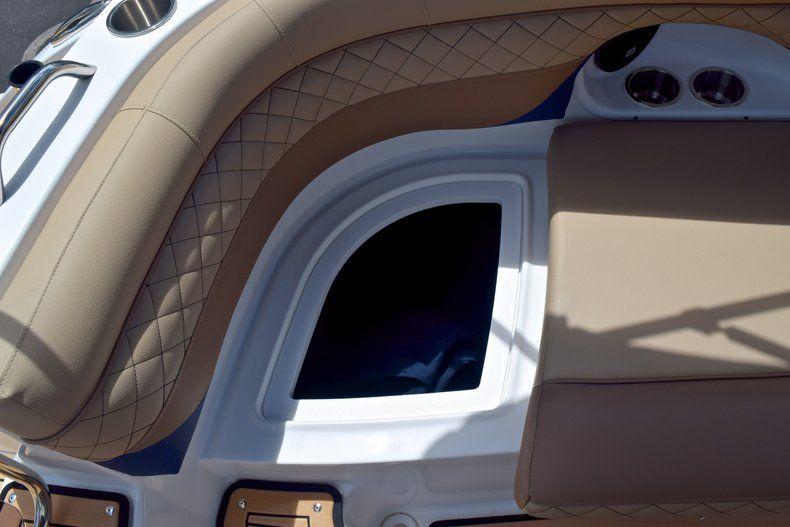 Thumbnail 21 for New 2019 Hurricane SunDeck SD 2690 OB boat for sale in Vero Beach, FL
