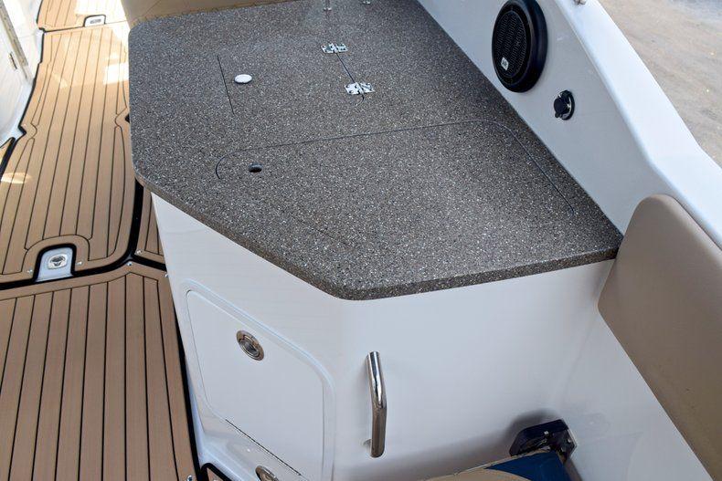 Thumbnail 23 for New 2019 Hurricane SunDeck SD 2690 OB boat for sale in Vero Beach, FL