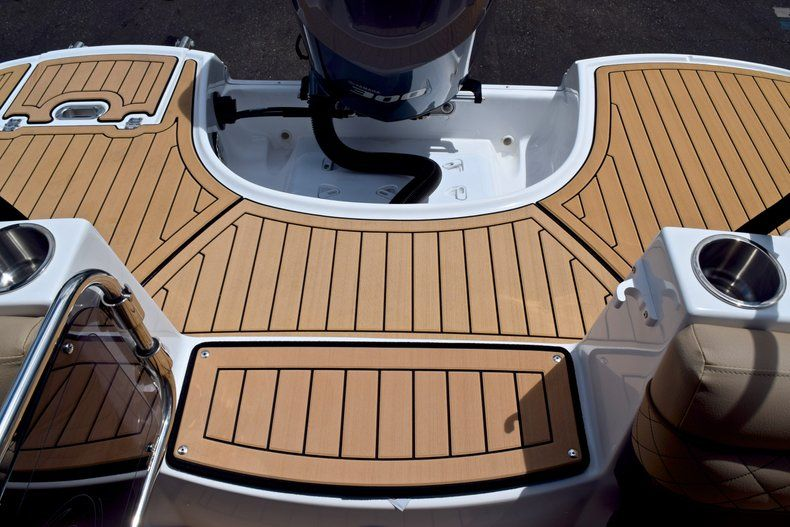 Image 14 for 2019 Hurricane SunDeck SD 2690 OB in West Palm Beach, FL