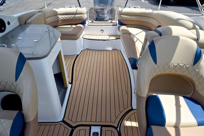 Thumbnail 15 for New 2019 Hurricane SunDeck SD 2690 OB boat for sale in Vero Beach, FL
