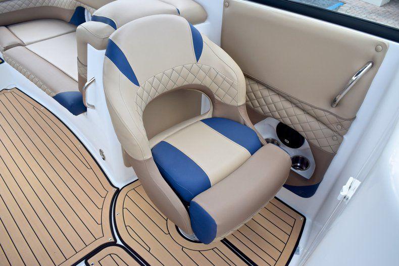 Thumbnail 29 for New 2019 Hurricane SunDeck SD 2690 OB boat for sale in Vero Beach, FL
