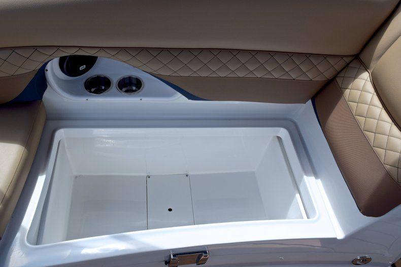 Thumbnail 22 for New 2019 Hurricane SunDeck SD 2690 OB boat for sale in Vero Beach, FL