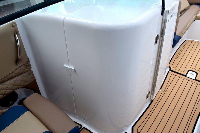 Thumbnail 30 for New 2019 Hurricane SunDeck SD 2690 OB boat for sale in Vero Beach, FL