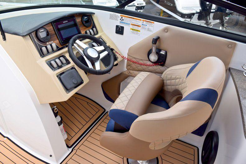 Thumbnail 33 for New 2019 Hurricane SunDeck SD 2690 OB boat for sale in Vero Beach, FL